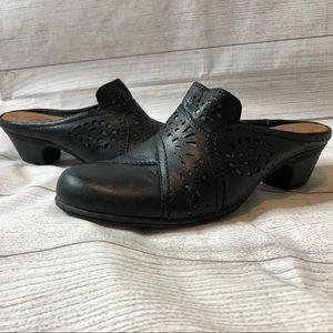 Cobb Hill Womens Size 7.5 Black Leather Heel Mules
